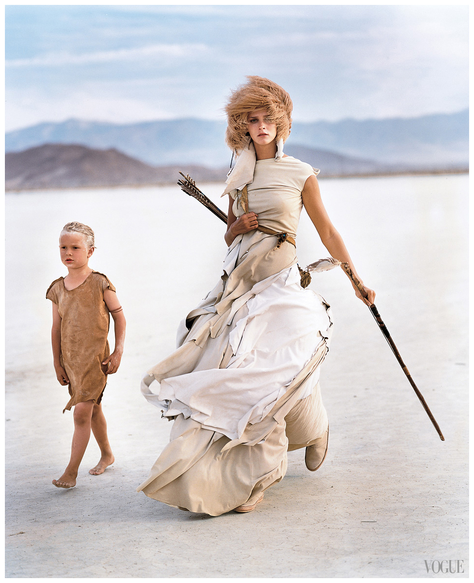 a-madly-max-model-carmen-kass-in-the-desert-wearing-yohji-yamamoto-2000