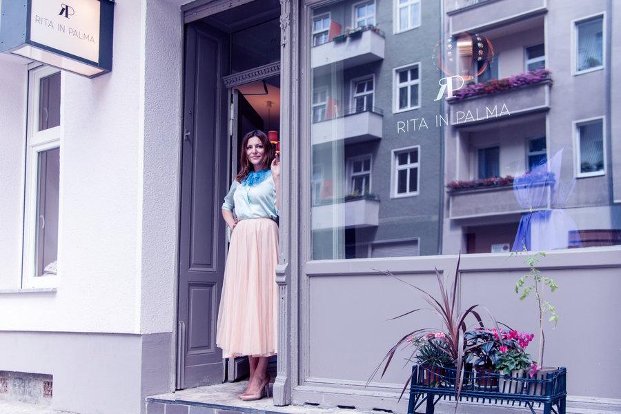 ann-kathrin-accessoire-label-rita-in-berlin-häkelprojekt-900x600