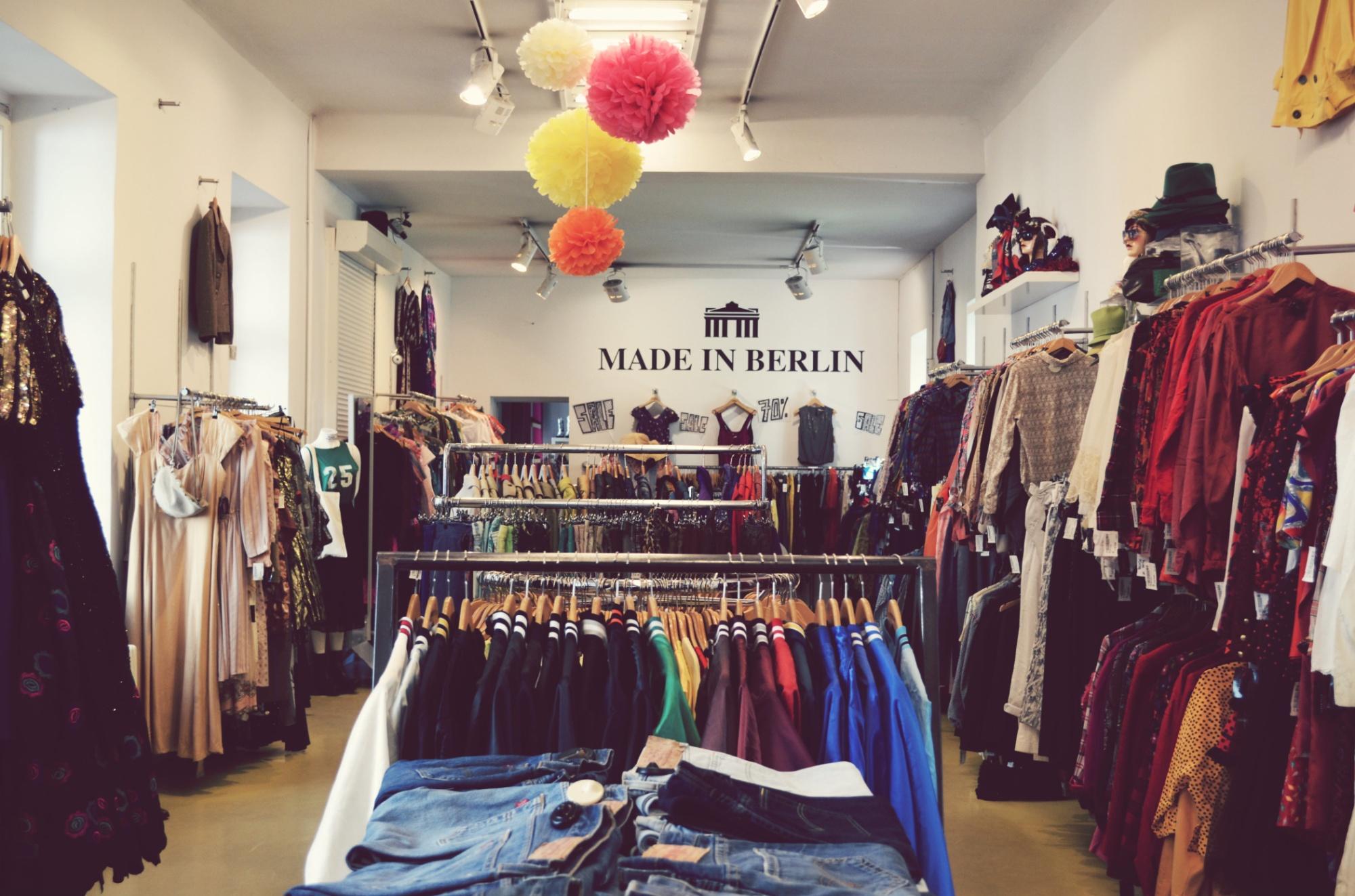 berlins vintage stores gaffer deluxe. Black Bedroom Furniture Sets. Home Design Ideas